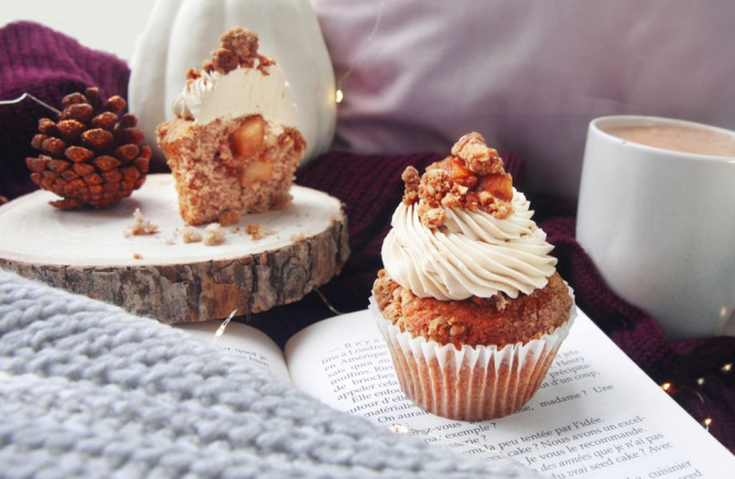 Apple crumble cupcake...a must!