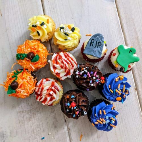 12 mini cupcakes - Halloween