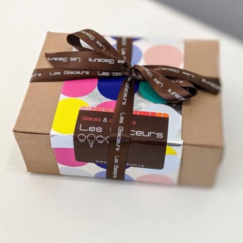 Boîte d'Anniversaire - 12 mini cupcakes